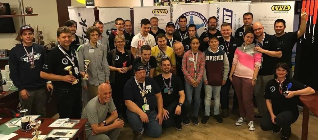 Tým lockpickerů z Evropy na loňském ročníku 2017